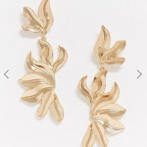 ASOS DESIGN earrings with textured layers in gold